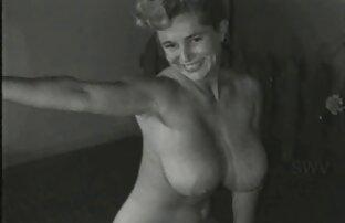Gustoso bruna si video amatoriali orgasmi masturba in webcam e schizza