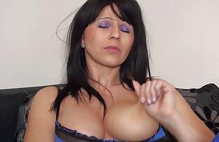 Posh xxx amatoriale italiani maturo casalinga masturbandosi via lei cunt con un vibratore