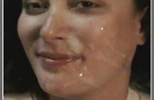 Una giovane bruna vestita come una puttana e avidamente sorella con un a video porno amatoriale reale