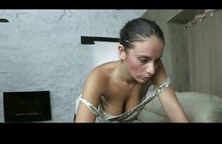 Un giovane coppia da Russia a gusto attraverso anale sesso video prono amatoriale :)