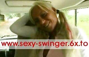Procace donna video porni amatoriali matura senza mutandine spudoratamente seducente in un giovane