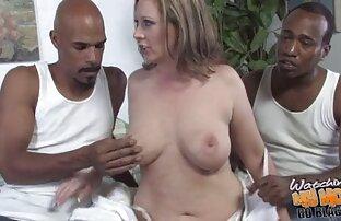 La video amatoriali xxxx figa di una donna matura emettono la minzione durante l'orgasmo dalla carezza con un vibratore
