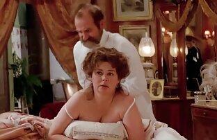 Il massaggiatore ha portato un giovane pollo un orgasmo da un massaggio video porno coppie italiane amatoriali nudo