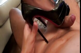 Splendida video amatoriali hd ragazza godere di diventare una sporca cagna ingoiare il cazzo giù per la gola per le palle