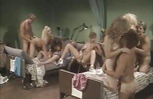 Spudorato giovane ragazza giapponese si masturba e succhia il cazzo sotto la pornografia italiana amatoriale doccia fino all'eiaculazione