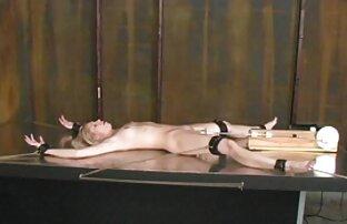Grandi tette naturali di una matura splendida signora si masturba una macchina sulla macchina video amatoriali xx fotografica