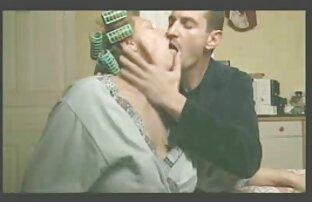 Skinny video porno italiani girati di nascosto bottino bianco slut succhiare enorme cazzo nero da entrambi i lati